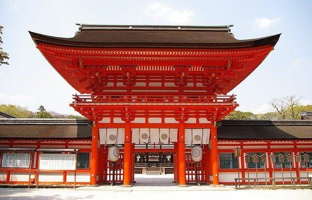 11 peaceful shrines around Yatsugatake in Japan !