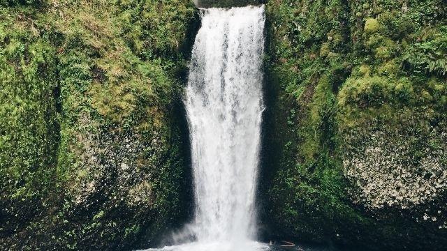 八ヶ岳周辺の滝や川を紹介!新緑・涼しさ・紅葉・氷爆が楽しめる!