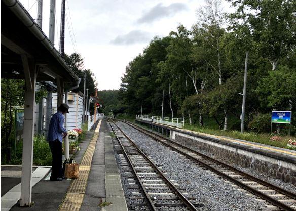 甲斐大泉駅ホーム